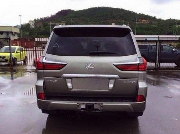 Модернизированный Lexus LX570 — новые фото