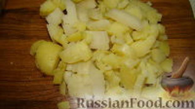 """Фото приготовления рецепта: Салат """"Часы"""" - шаг №7"""