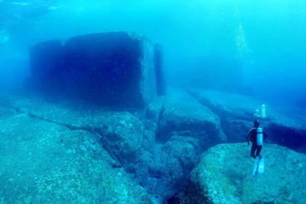Загадки подводных пирамид