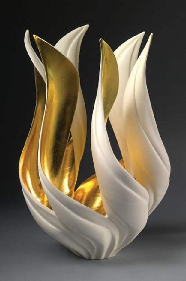 Позолоченная ваза  Magritte's