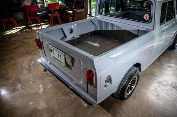 Morris Mini: компактный пикапчик, востановленный в Таиланде Morris Mini, mini, авто, автомобили, восстановление, олдтаймер, пикап, реставрация