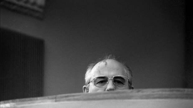 Публицист обратился к Горбачёву: «Вы тогда не войну закончили, а кончили страну»