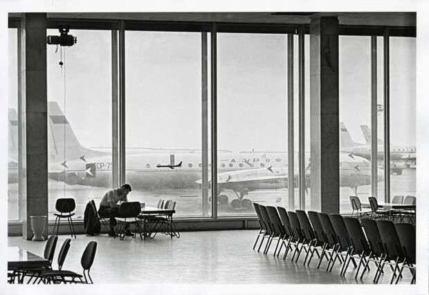 Аэропорт «Внуково» Евгений Умнов, 1964 год, МАММ/МДФ.