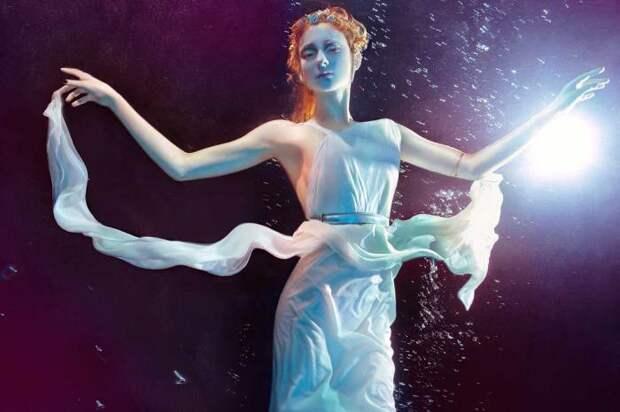 Водоворот сюжетов от Zena Holloway: мода, танцы и волшебство