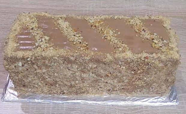 Вкуснейший торт без выпечки готов.