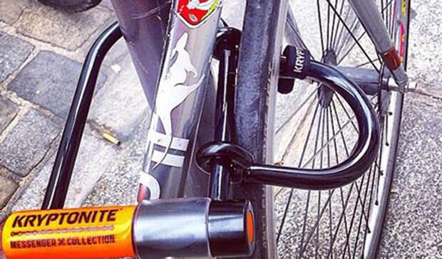 Блокиратор Kryptonite Standard Bicycle U-LockСтоимость: 3 500 рублей Летом кража велосипедов составляет основной источник дохода всех наркоманов района. Серьезный блокиратор, вроде Kryptonite, позволит найти любимый байк там, где вы его оставили.