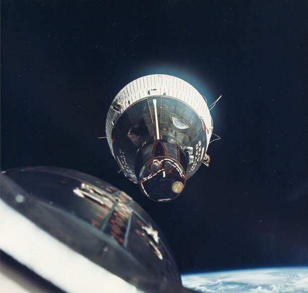 1965, декабрь. Первое сближение в космосе