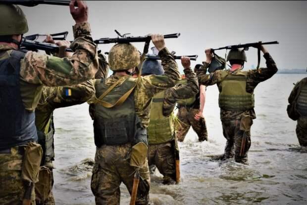 Украина стягивает войска к границе с Крымом