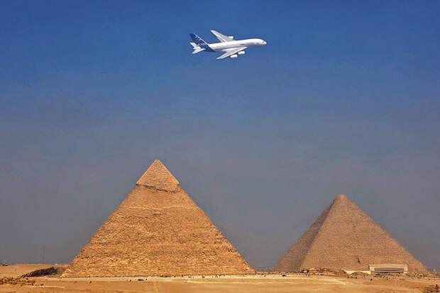 Исход из Египта. Крушение российского авиалайнера. Кому это выгодно прежде всего?