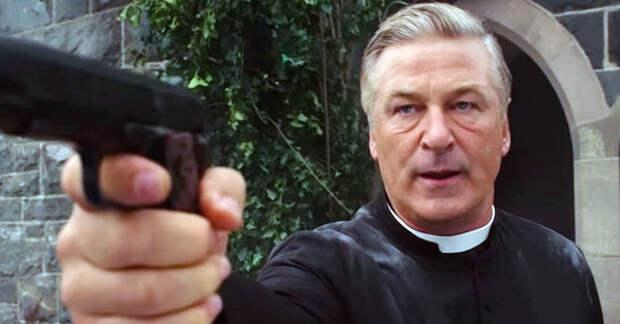Алек Болдуин впервые прокомментировал свой роковой выстрел в женщину-оператора