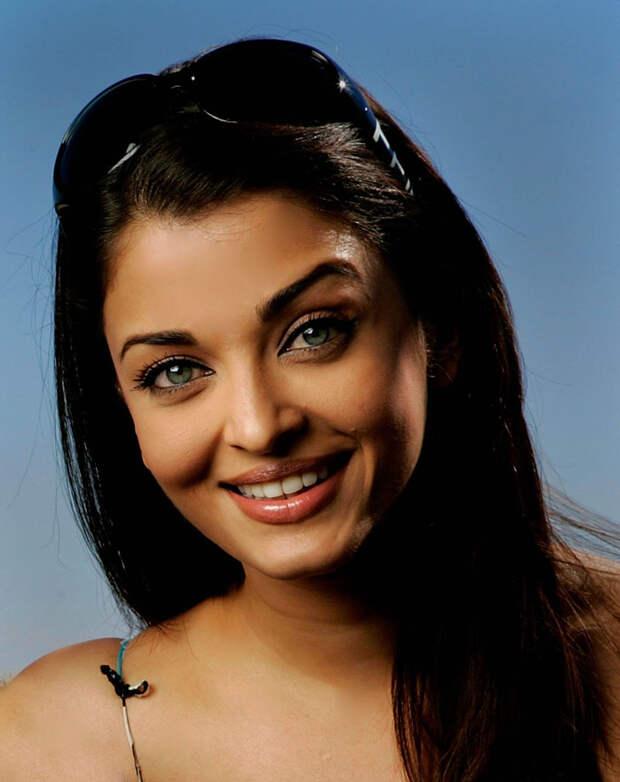 Айшвария Рай (Aishwarya Rai) в фотосессии Питера Крамера (Peter Kramer) на премьере фильма «Спровоцированная» (Provoked: A True Story) (Канны, 19 мая 2006), фото 26