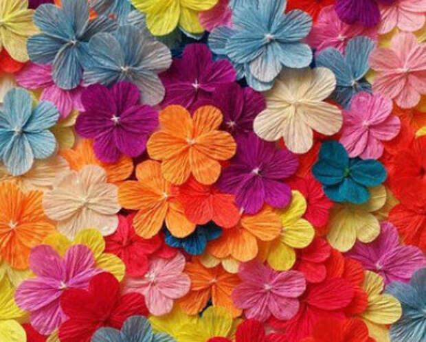 Как красиво и оригинально сделать цветы из бумаги к празднику...