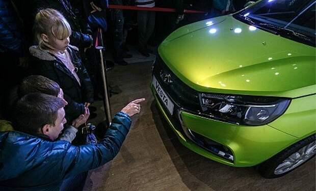 Одной из самых обсуждаемых составляющих седана Lada Vesta на презентации после цены был Х-дизайн передка