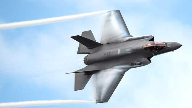 Это iPhone: эксперт назвал главный минус F-35 по сравнению с Су-57