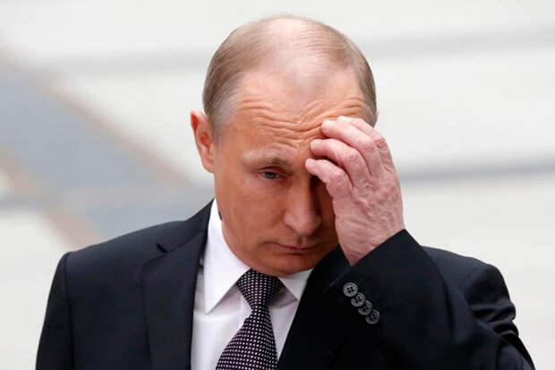 Отправив в отставку правительство Медведева, Путин окончательно уронил свой рейтинг