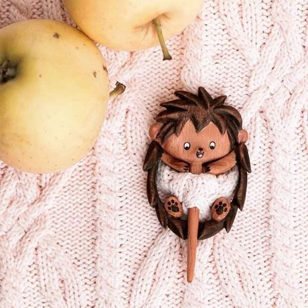 Алена Ольха и ее чудесные деревянные броши