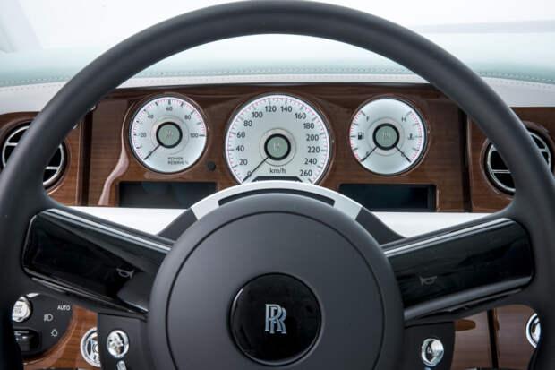 Автомобиль с самым шикарным интерьером-9