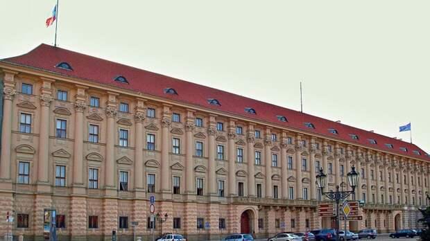 Посол России Александр Змеевский прибыл на переговоры в чешский МИД