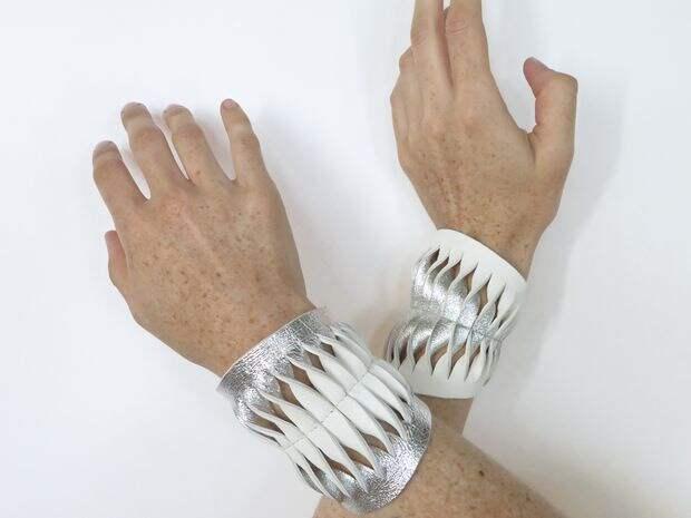 Двухцветные браслеты с прорезями, из кожи (Diy)