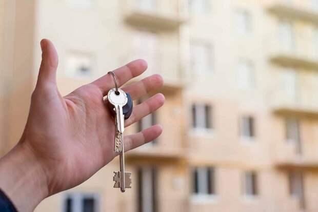 В Краснодаре 20 семей из горевшей многоэтажки получили новые квартиры