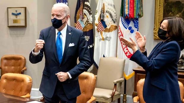 Больной президент, шизофреническая политика: США демонстрируют феноменальное непонимание России