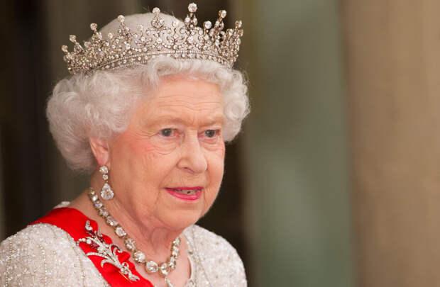 7 фактов о Елизавете II, которые она предпочла бы оставить в тайне