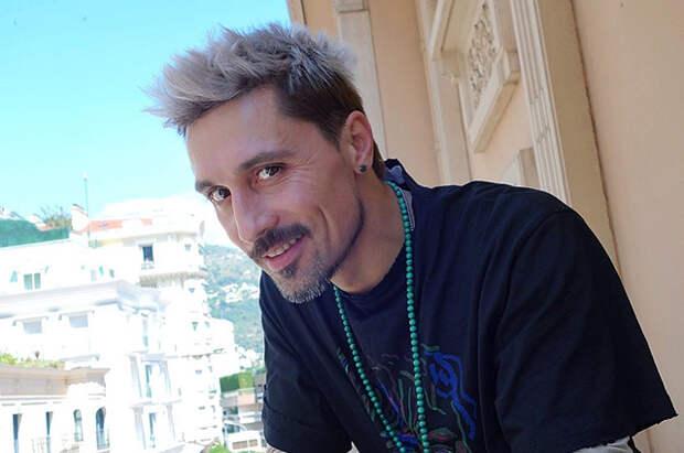 Билан извинился за свое скандальное выступление в Самаре, а Киркоров, Рудковская и Валерия его поддержали