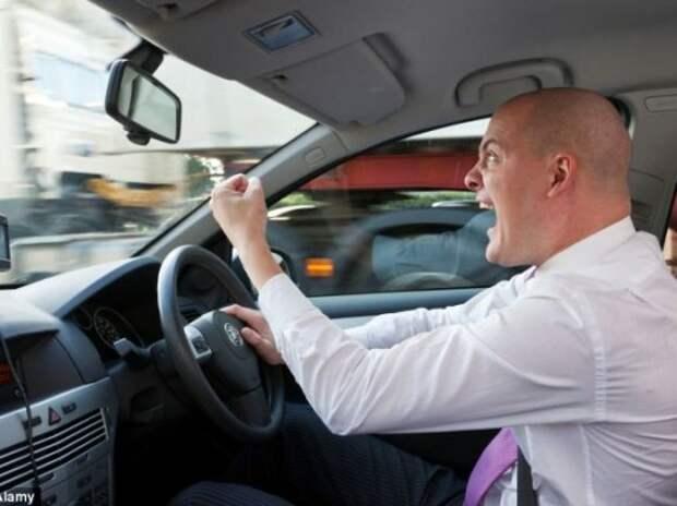 Опрос ЗР: Водители стали агрессивнее на дорогах