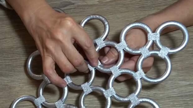 Кольца от штор — сокровище! Идеальная идея к Новому году