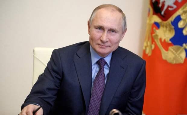 Владимир Путин назвал срок снятия ограничений по COVID-19 в России