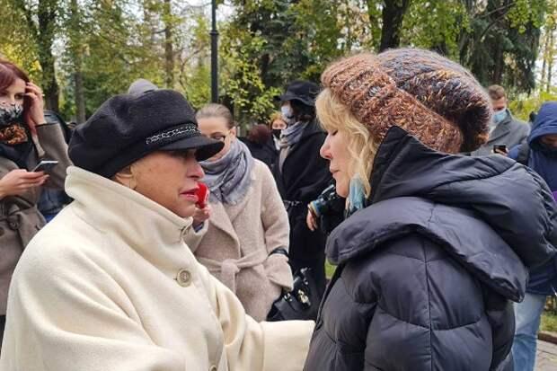 «Такая гадость!»: Поргина позвонила дочери Захарова после слухов о наркологической клинике