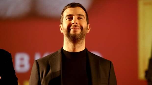 Телеведущий Иван Ургант высмеял появление Ольги Бузовой в составе жюри КВН