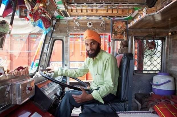 ДТП в Индии – это крик, шум и гам, в них лучше не попадать. /Фото: jyoti.ru