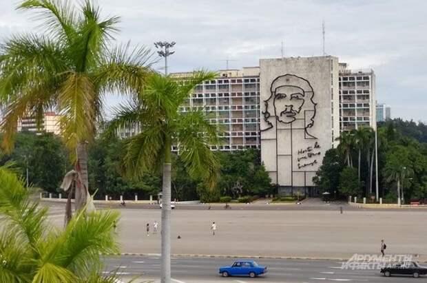 США еще на год продлили эмбарго в отношении Кубы