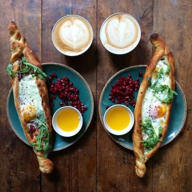 Мужчина каждый день делает симметричные завтраки для своего любимого