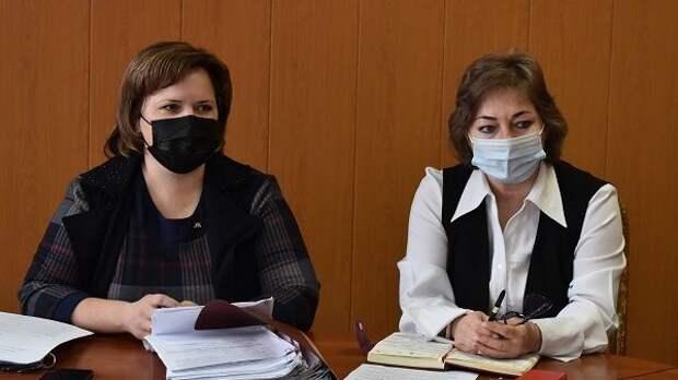 Неля Омелянчук провела очередное заседание Комиссии по делам несовершеннолетних и защите их прав