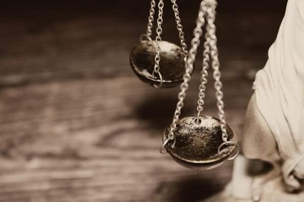 Суд признал Дерека Шовина виновным в убийстве Джорджа Флойда