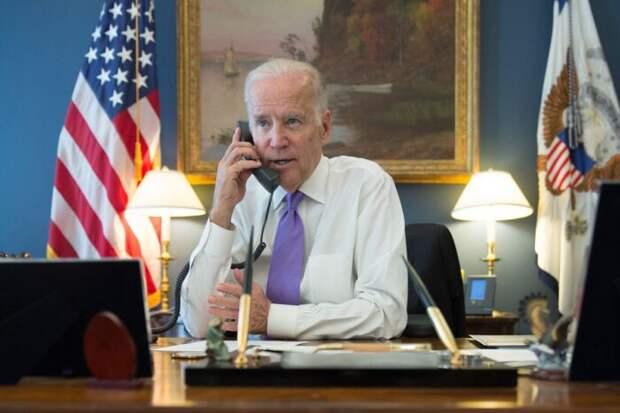 Байден ещё в ходе телефонного разговора предупредил Путина о санкциях