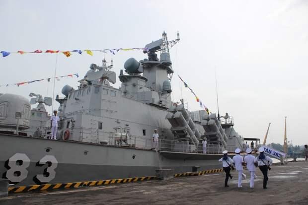 Во Вьетнаме построены еще два ракетных катера проекта 12418