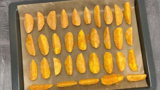 Беру 800 г картошки и 3 сухаря: показываю, какая «вкуснота; получается (хоть на обед, хоть на ужин и у плиты стоять не нужно)