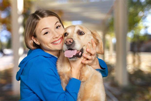 Собаки – совсем не обнимаки. Доказано научно: им не нравится
