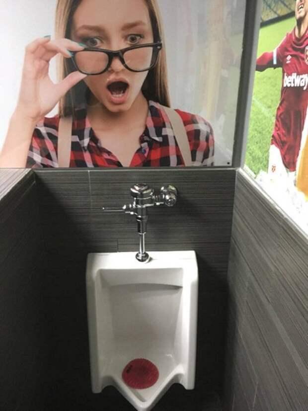 Фото в мужском туалете