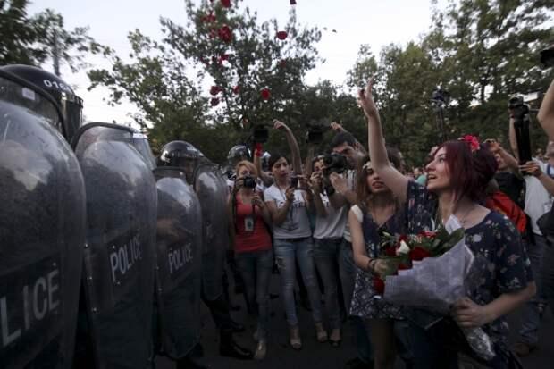 Власти Армении пошли на уступки демонстрантам