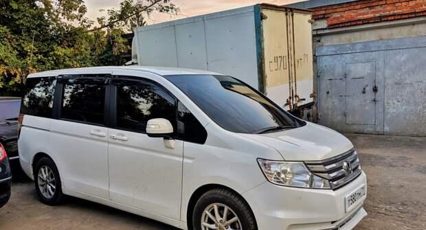 Honda Stepwgn: популярный семейный минивэн из Японии