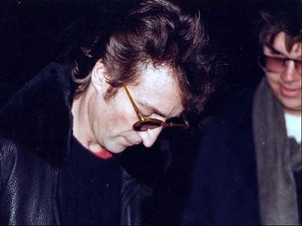 Lennon_and_Chapman