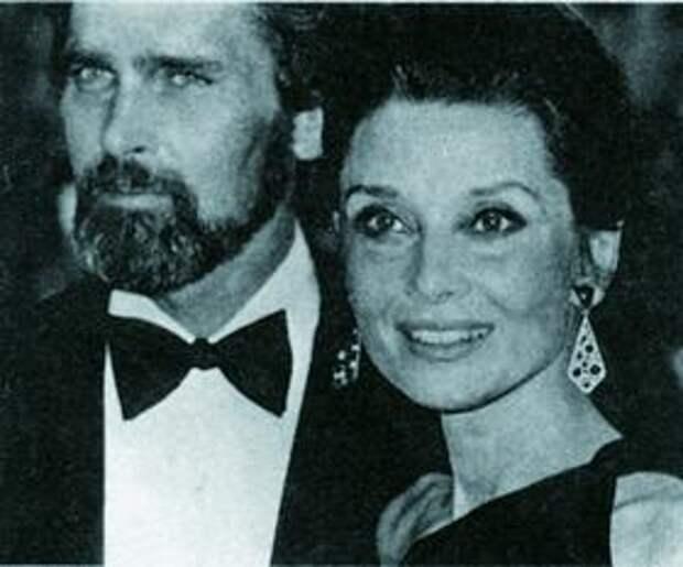 Одри Хепбёрн с Робертом Уолдерсом во время одной из поездок по заданию ЮНИСЕФ