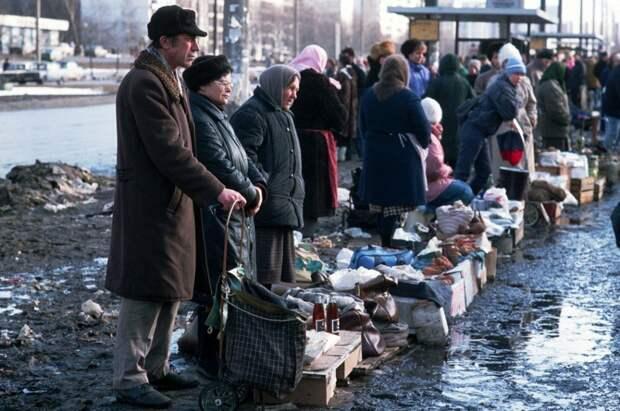 Медведев вспомнил 2000 год и зарплаты в $50