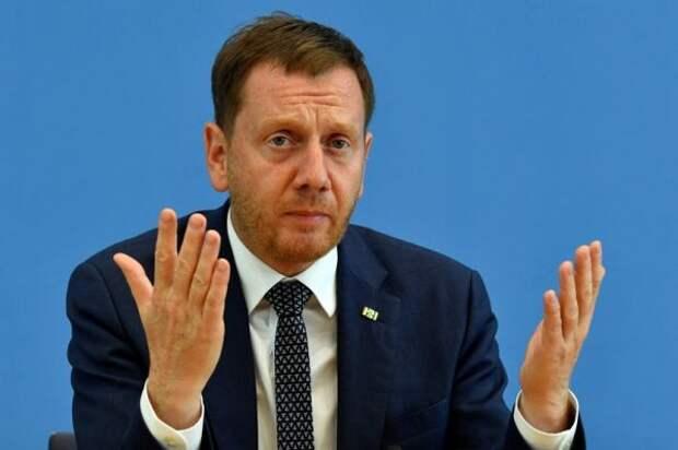 Премьер Саксонии призвалЕС отстать отПольши иВенгрии