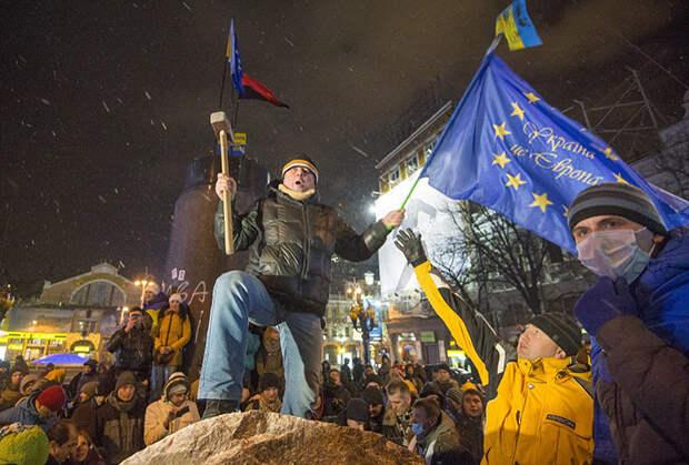 Снос памятника Ленину, Киев, декабрь 2013