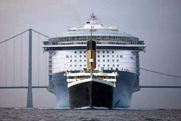 В прошлом посте многие не до конца поняли масштабы лайнера и начали сравнивать его с Титаником. На самом деле, это пять Титаников: еда, лайнер, море